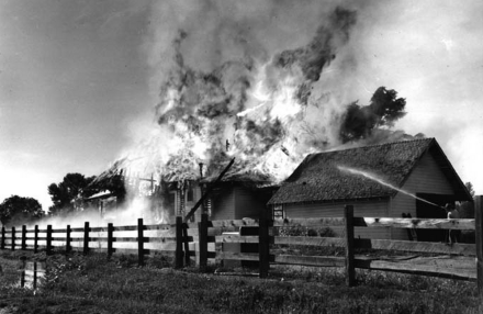 https://commons.wikimedia.org/wiki/File:House_fire-Oregon-1953.jpg